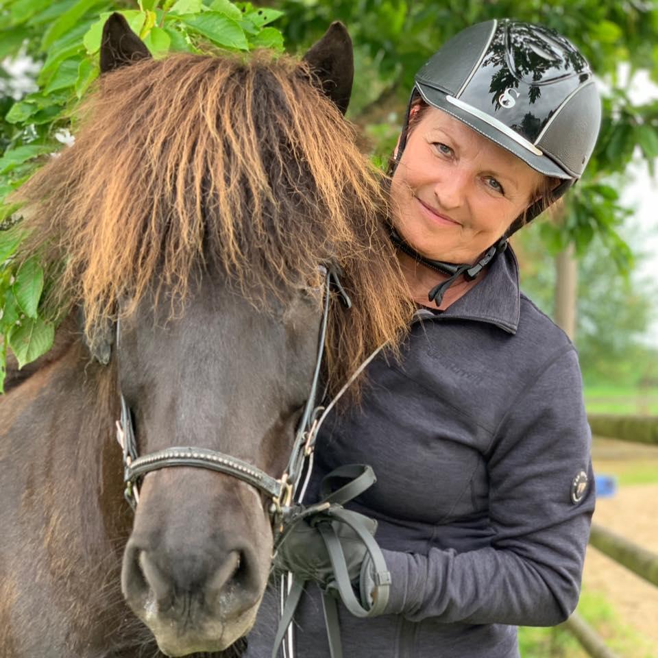 Britt og hest